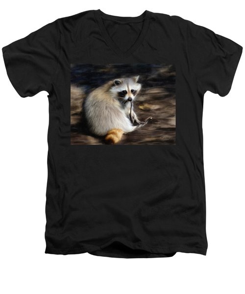 Racoon Men's V-Neck T-Shirt