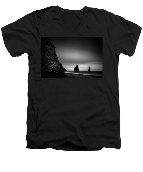 Reynisfjara Men's V-Neck T-Shirt