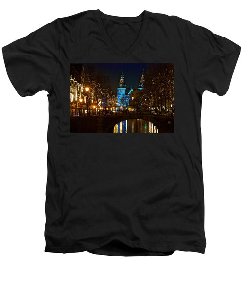 Rijksmuseum At Night Men's V-Neck T-Shirt