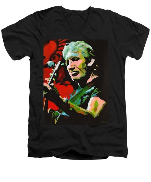 Roger Waters. Breaking The Wall  Men's V-Neck T-Shirt