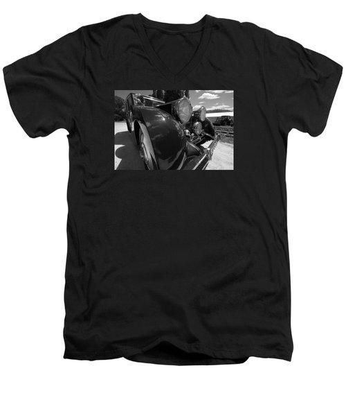 Men's V-Neck T-Shirt featuring the photograph Rolls Royce Station Wagon by John Schneider