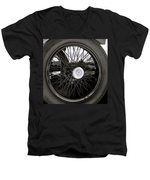 Rolls Royce Wheel Men's V-Neck T-Shirt