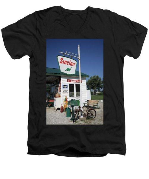 Route 66 - Sinclair Station Men's V-Neck T-Shirt
