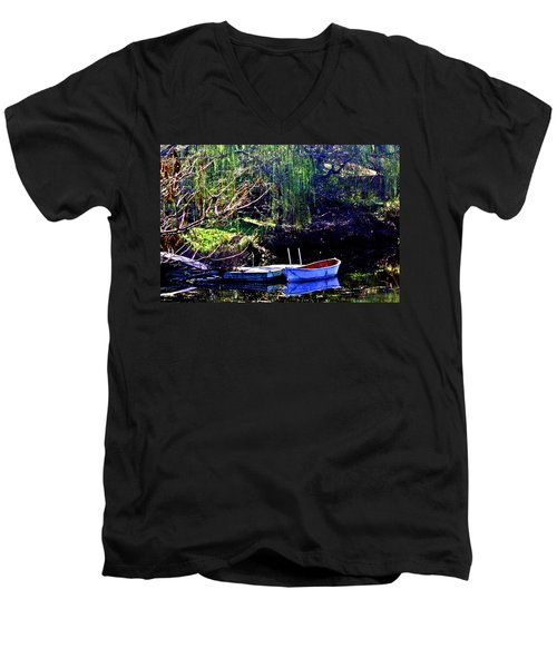 Row Boat At Dock Men's V-Neck T-Shirt