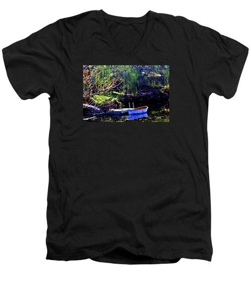 Row Boat At Dock Men's V-Neck T-Shirt