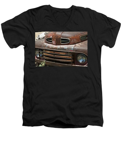 Rusted Ford In Hackberry Men's V-Neck T-Shirt