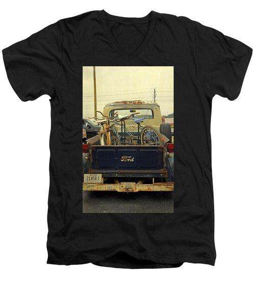 Rusty Haul Men's V-Neck T-Shirt