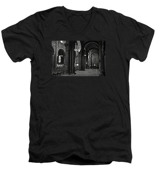 Saint Germain Des Pres - Paris Men's V-Neck T-Shirt