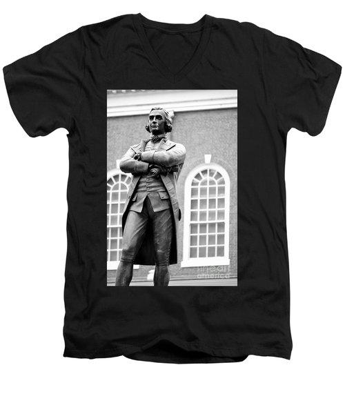 Samuel Adams Statue State House Boston Ma Black And White Men's V-Neck T-Shirt