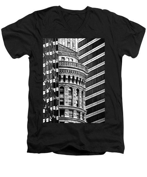 San Francisco Design Men's V-Neck T-Shirt by Art Shimamura