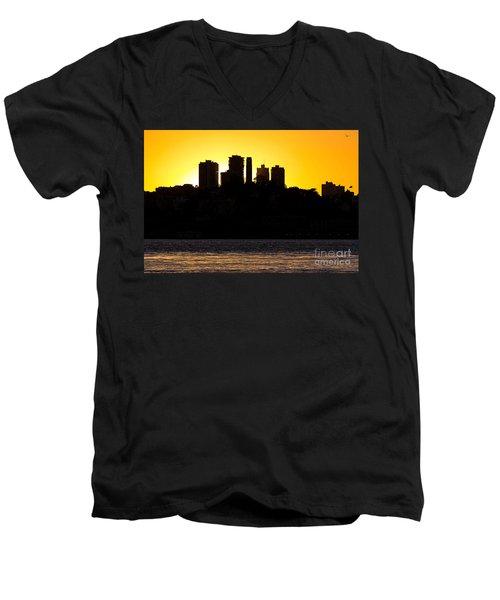 San Francisco Silhouette Men's V-Neck T-Shirt
