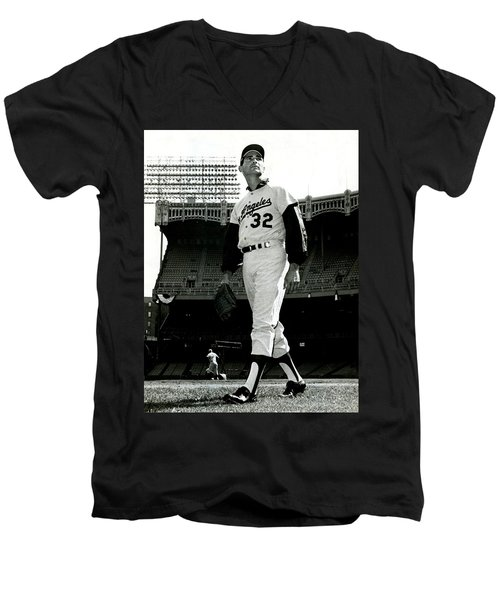 Sandy Koufax Vintage Baseball Poster Men's V-Neck T-Shirt