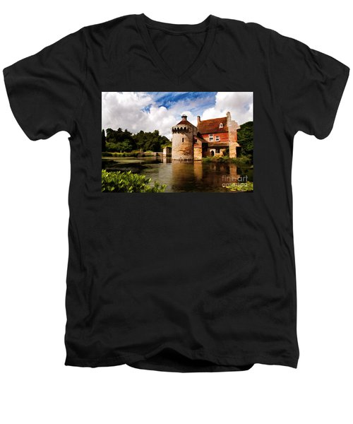 Scotney Castle Men's V-Neck T-Shirt