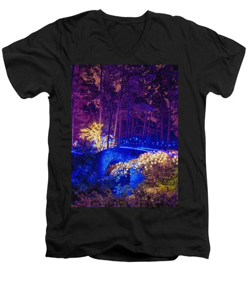 Stone Bridge - Crop Men's V-Neck T-Shirt