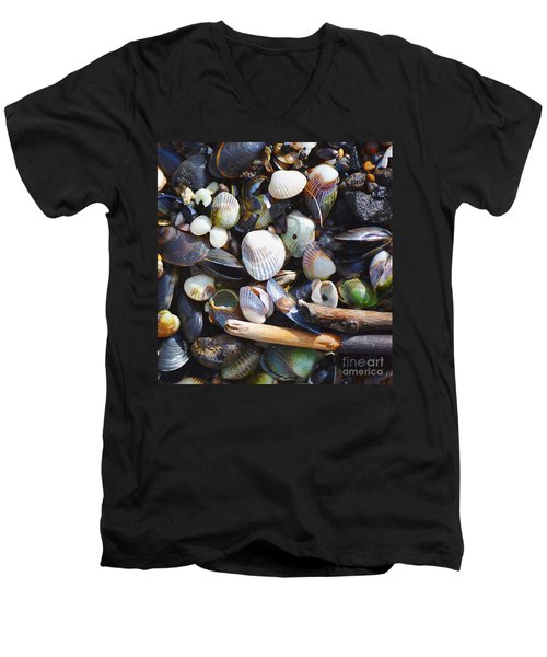 Seashells Men's V-Neck T-Shirt