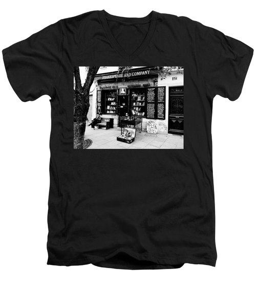Shakespeare And Company Boookstore In Paris France Men's V-Neck T-Shirt