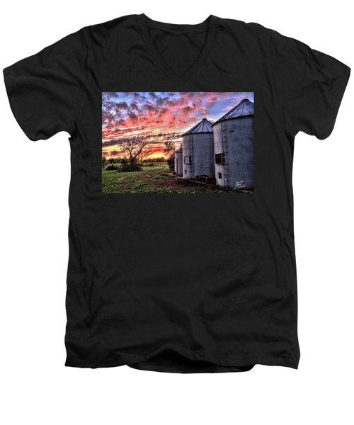 Silo Sunset Men's V-Neck T-Shirt