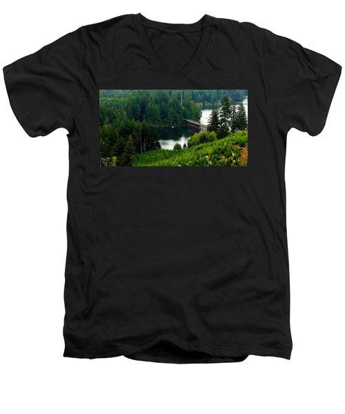 Single Boat Men's V-Neck T-Shirt
