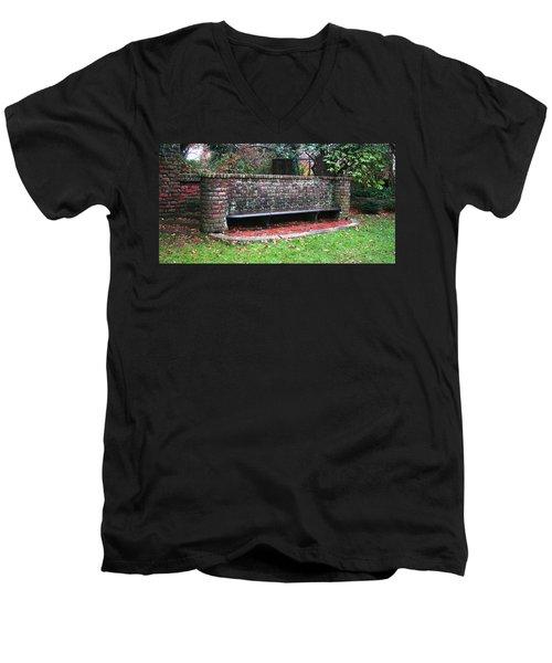 Sitting In Time Men's V-Neck T-Shirt