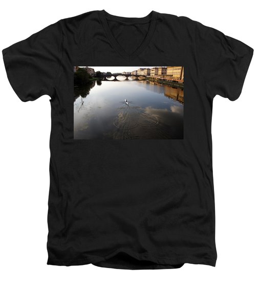 Solitary Sculler Men's V-Neck T-Shirt