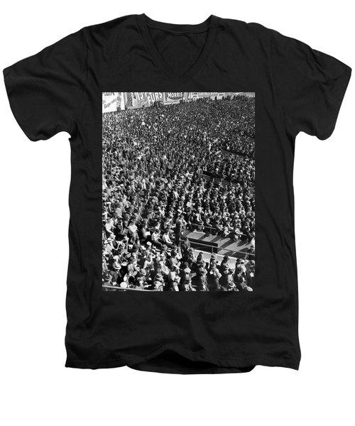 Baseball Fans At Yankee Stadium In New York   Men's V-Neck T-Shirt