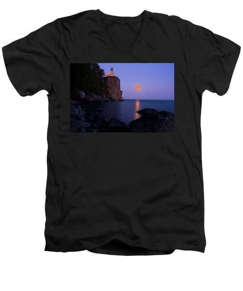 Split Rock Lighthouse - Full Moon Men's V-Neck T-Shirt