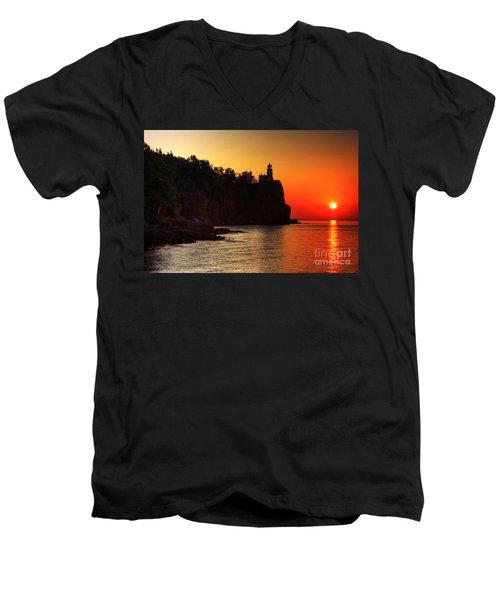 Split Rock Lighthouse - Sunrise Men's V-Neck T-Shirt