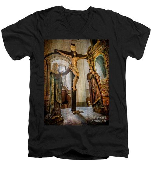 Statue Of Jesus Men's V-Neck T-Shirt