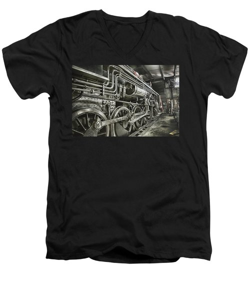 Steam Locomotive 2141 Men's V-Neck T-Shirt