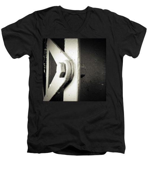 Steel Girder Men's V-Neck T-Shirt