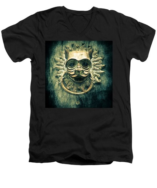Sun Cat Door Knocker Men's V-Neck T-Shirt