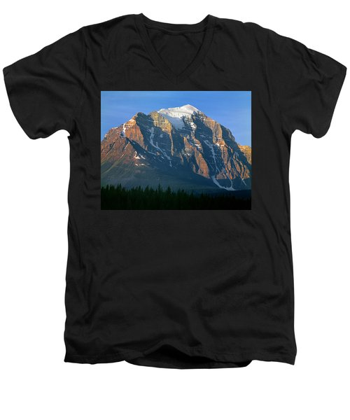 1m3518-sunrise On Mt. Temple Men's V-Neck T-Shirt