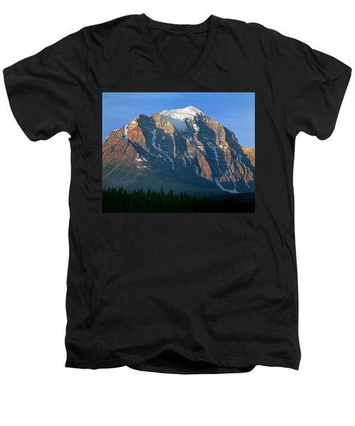 1m3518-sunrise On Mt. Temple Men's V-Neck T-Shirt