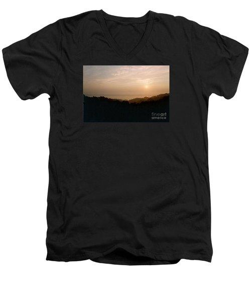 Sunrise Over The Illinois River Valley Men's V-Neck T-Shirt