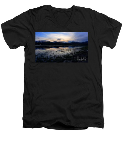 Sunset At A Lake Near Mammoth In Yellowstone Men's V-Neck T-Shirt