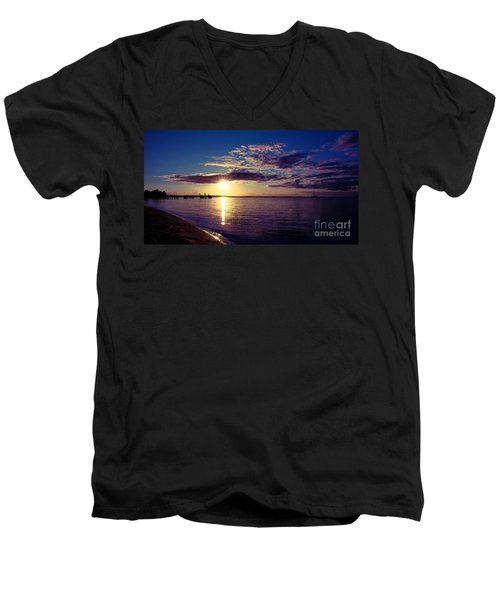 Sunset At Monkey Mia Men's V-Neck T-Shirt