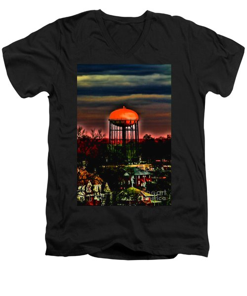 Sunset On A Charlotte Water Tower By Diana Sainz Men's V-Neck T-Shirt