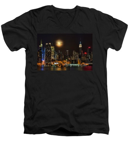 Super Moon Over Nyc Men's V-Neck T-Shirt by Susan Candelario