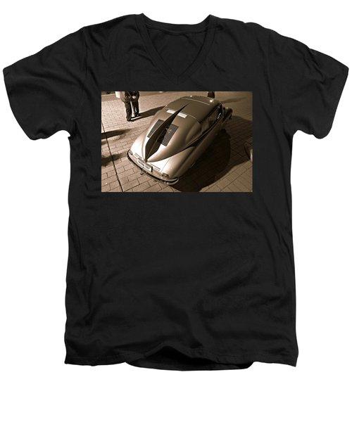 Tatra Temptress Men's V-Neck T-Shirt