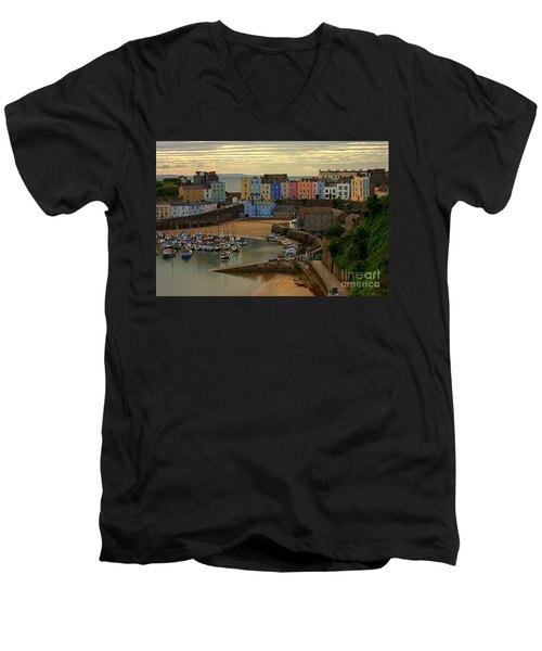 Tenby Harbour In The Morning Men's V-Neck T-Shirt