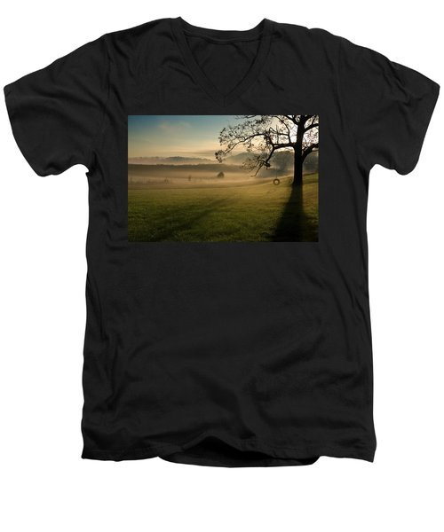 Tennessee Landscape Men's V-Neck T-Shirt