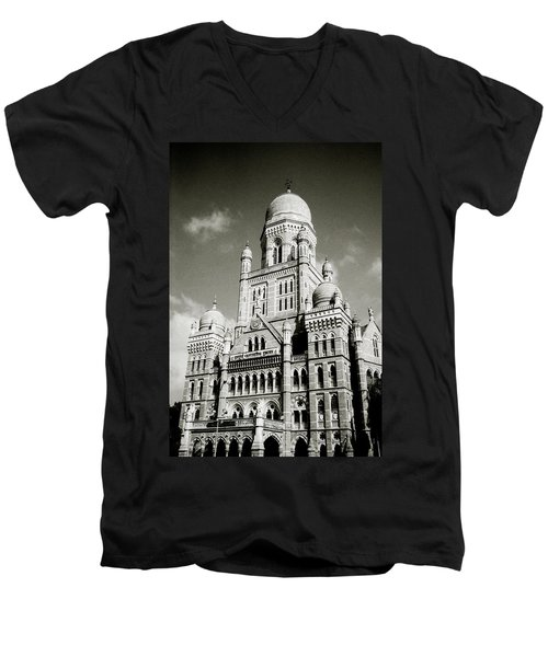The Corporation Building Bombay Men's V-Neck T-Shirt