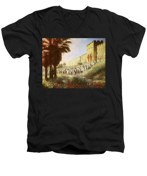 The King Is Coming  Jerusalem Men's V-Neck T-Shirt