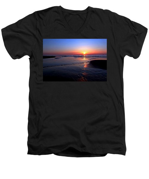 The North Sea Men's V-Neck T-Shirt
