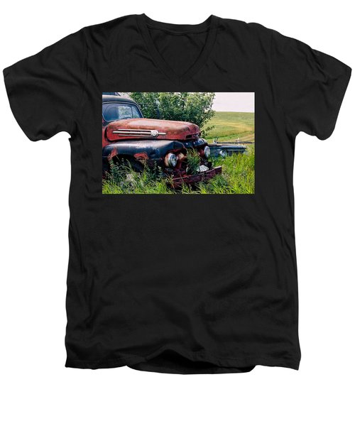 The Old Farm Truck Men's V-Neck T-Shirt