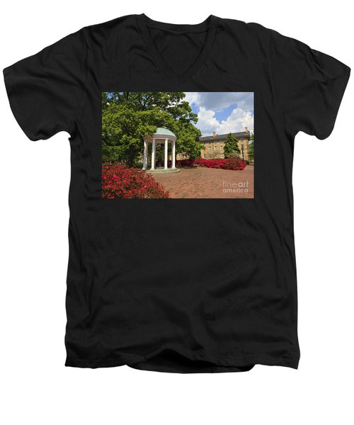 The Old Well At Chapel Hill Campus Men's V-Neck T-Shirt