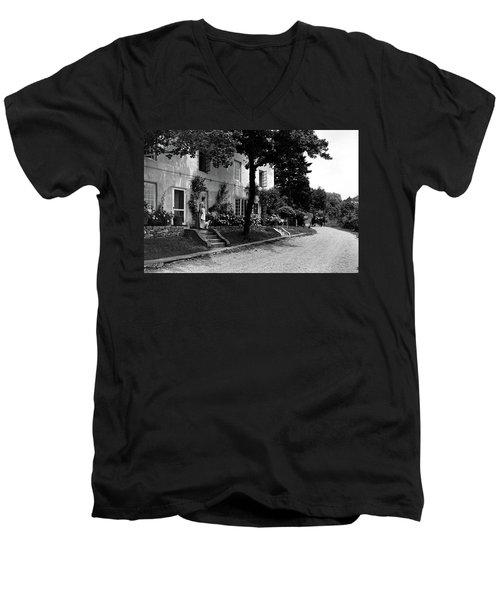 The Platt's House In New Jersey Men's V-Neck T-Shirt