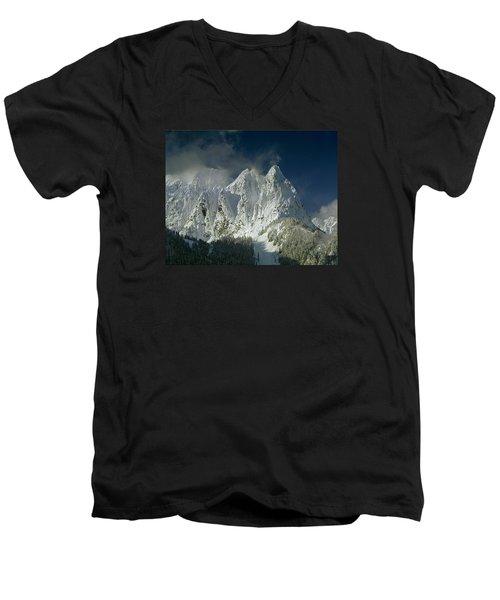 1m4503-three Peaks Of Mt. Index Men's V-Neck T-Shirt