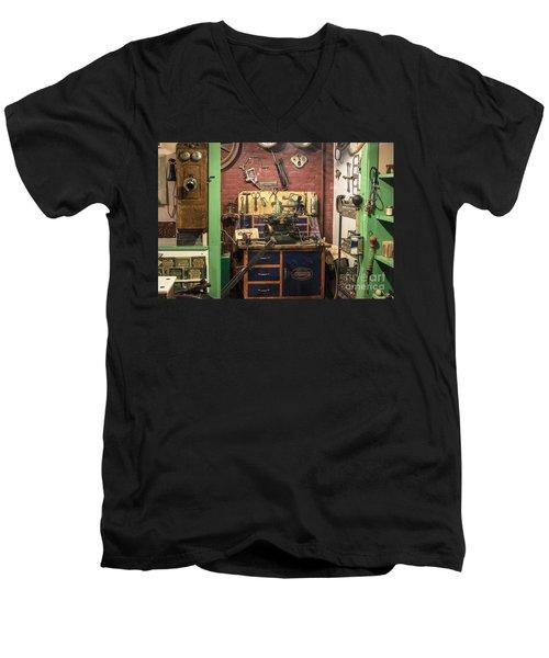 Garage Of Yesteryear Men's V-Neck T-Shirt