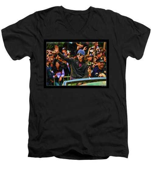 Tim Lincecum World Series 2012 Men's V-Neck T-Shirt